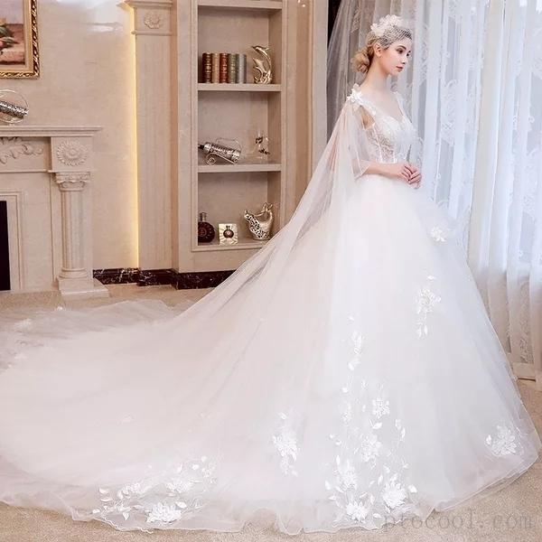 喜欢婚纱的仙,只是少了穿了它的勇气