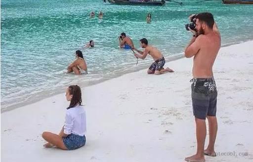 每一个爱拍照的女人背后,都有一个默默...